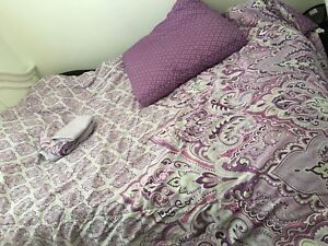 Twin/double comforter set for sale!