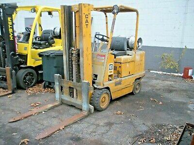 Caterpillar T60b 6000 Lbs. Lpg Forklift Fork Lift