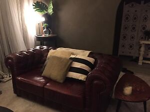 Beautifully elegant Chesterfield sofa suite Kenmore Brisbane North West Preview