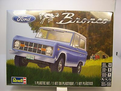 REVELL 1:25 SCALE EARLY MODEL FORD BRONCO SUV PLASTIC MODEL CAR KIT
