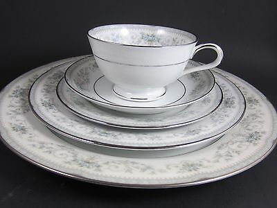Vintage Noritake Colburn China 6107  ~ 5 Piece Place Setting Excellent Condition