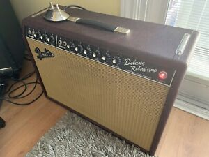 Fender '65 Deluxe Reverb - Limited Edition Wine Red