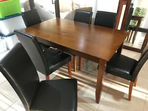 Dinning table, 6 seats, good condition