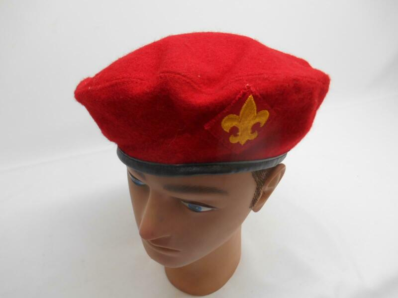 Old Vtg BOY SCOUTS OF AMERICA 100%  WOOL RED BERET BSA Patch OFFICIAL HEADWEAR
