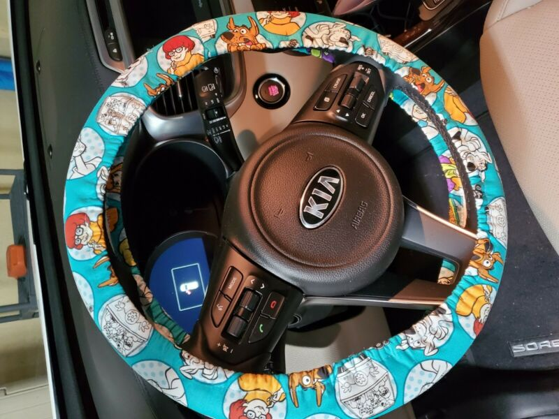 New Scooby Doo Steering wheel cover NEW free shipping rare