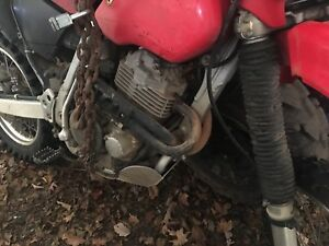 2001 Honda xr400  trade for big two stroke