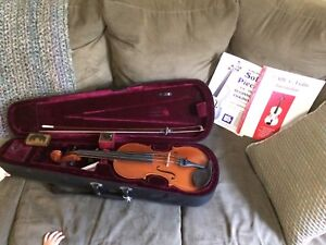 Beginner violin and set with books