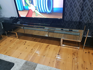 set tv unite, coffee table and table with 6 chairs Rosemeadow Campbelltown Area Preview