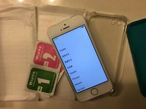 iPhone SE 64GB Silver (great condition)