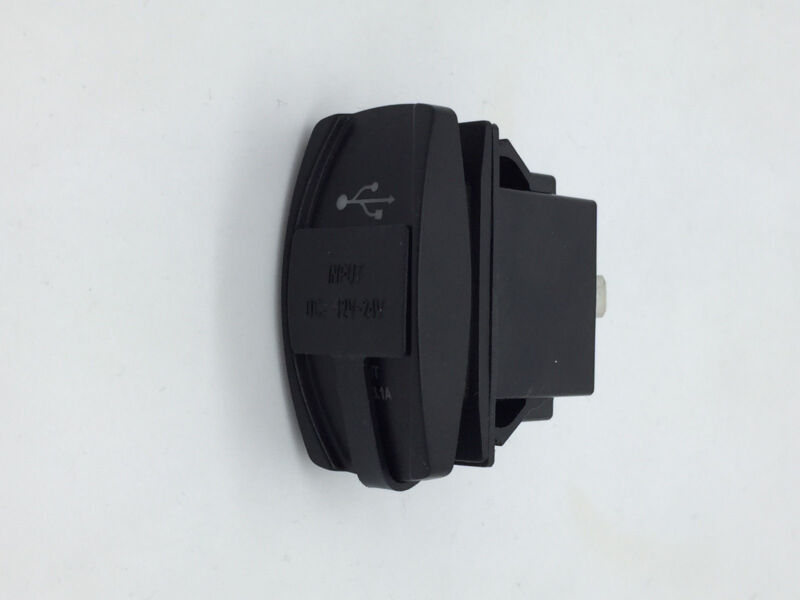Marine Boat RV Dual USB Socket Charger Input 6-30V With USB Cover 3.1A 1 Pin