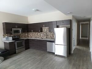 Heart of Sandy Hill! Sweetland Ave. - 6 Bedroom Sept 1st!