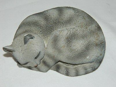 CONVERSATION CONCEPTS SILVER TABBLY SLEEPING CAT
