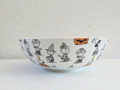 Halloween Fall Snoopy Peanuts Serving Bowl Candy Large Trick or Treat Dinner 9.5