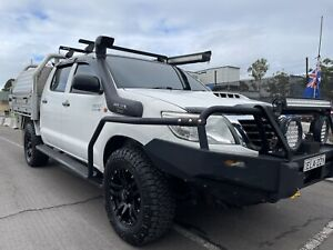 One year rego -2014 Toyota Hilux Sr (4x4) 5 Sp Automatic Dual Cab P/up