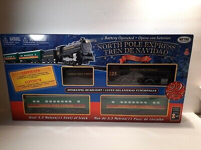 EZTEC NORTH POLE EXPRESS 29 PIECE CHRISTMAS GREEN TRAIN SET BATTERY OPERATED NEW