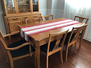 Beautiful dining room table with matching hutch