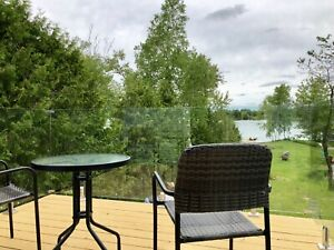Cosy waterfront family cottage for rent in Kawartha lakes