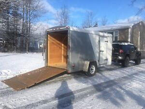 6x12 ramp trailer , like new enclosed