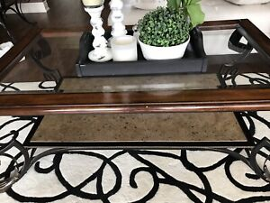 Ashley furniture set of 3 coffee tables