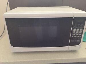 Good condition microwave Prospect Launceston Area Preview