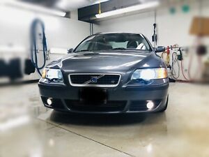 2004 Volvo S60R 6 speed manual.