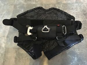 mystic seat kiteboarding harness x-small