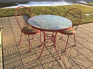 Vintage Patio Table and Chairs
