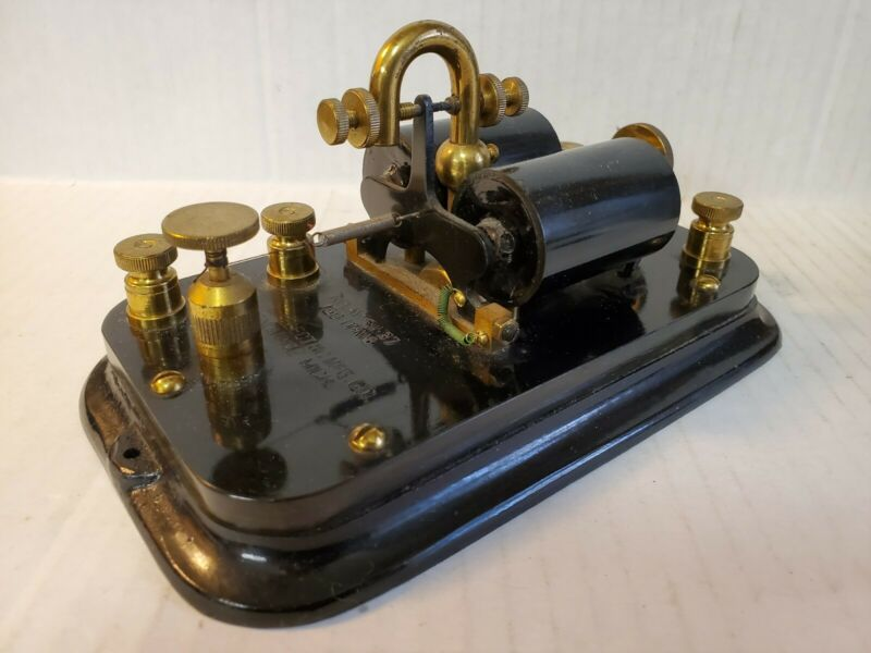 VINTAGE TELEGRAPH RELAY SOUNDER SIGNAL ELECTRIC MFG. CO. 150 OHMS MENOMINEE, MI.