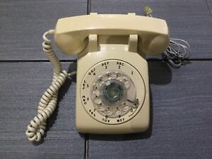 Retro Rotary Dial Phone in Excellent Working Condition