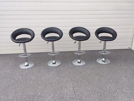 Bar stools, black