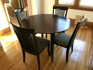 Round / Oval Expandable Oak Dinning Room Table