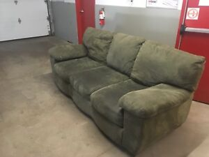 *Green Couch ***Free Delivery***