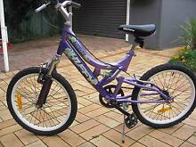 GIRLS BIKE HUFFY  17 INCH RIMS. Sutherland Sutherland Area Preview