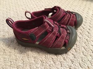 Toddler Keen sandals size 6