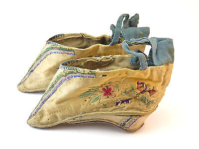 ANTIQUE 19thC CHINESE QING HAND EMBROIDERED SILK LOTUS SHOES FOR BOUND FEET