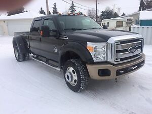 2011 Ford F450 Lariat dually Pickup Truck