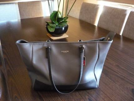 Designer Coach Brand Tote Bag Excellent Condition