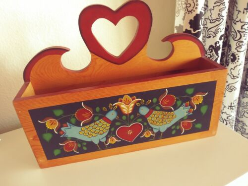 TOLE Hand Painted Hanging Pine Wooden box TERRI BUSSE