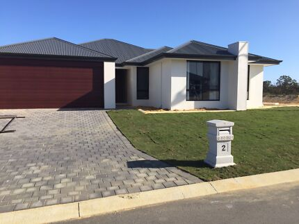 Room to rent north of the river - close to beach Butler Wanneroo Area Preview