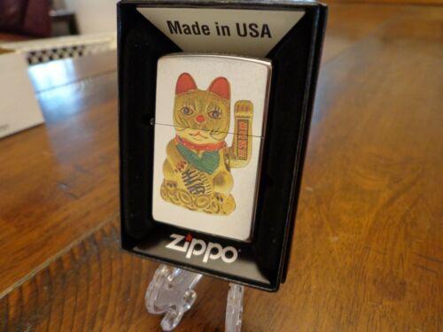 GOLDEN LUCKY CAT STREET CHROME ZIPPO LIGHTER MINT IN BOX