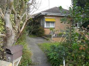 Chadstone House, 3 Minutes Walk to Jordanville Station