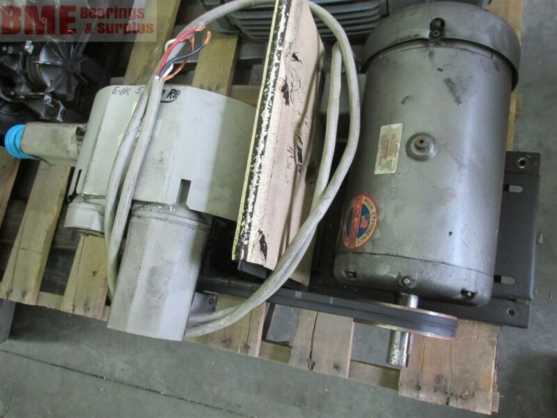 SIEMENS D-97615 BELT DRIVE VACUUM PUMP WITH 7.5 HP DAYTON MOTOR