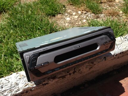 Sony Xplod head unit in working condition