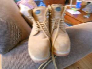 JACKEROO WORK BOOTS STEEL CAP SZ 11 EX COND USED A COUPLE OF TIME Logan Central Logan Area Preview