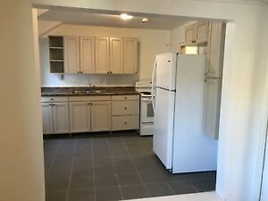 4 bedroom unit available to rent