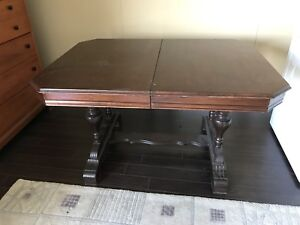 Dining room table and 5 chairs