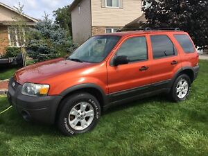 2006 ONE OWNER FORD ESCAPE 4x4