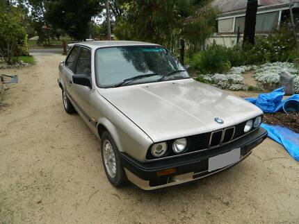 BMW E Series - E30 - 318i Coupe