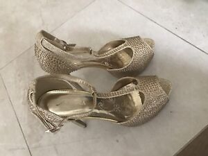 Size 8 Gold Heels