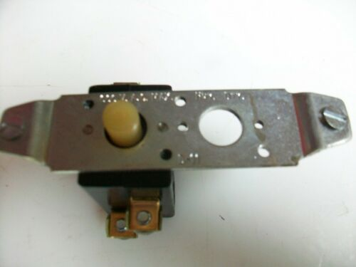 CROUSE-HINDS SWITCH D-11